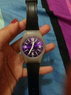 Jam tangan QnQ