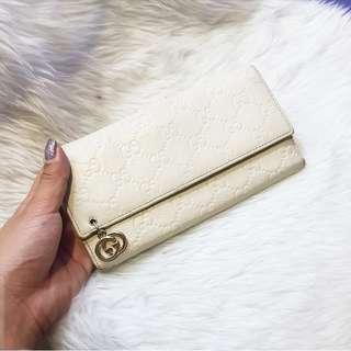 AUTHENTIC GUCCI WHITE BIFOLD WALLET