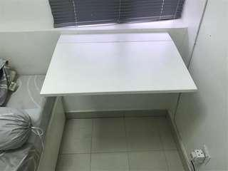 Wall-mounted table (foldable)