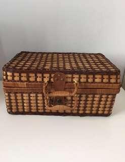Vintage Basket/Picnic Basket