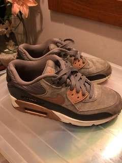Preloved good condition authentic nike airmax