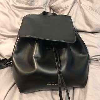 全新 黑色後背包