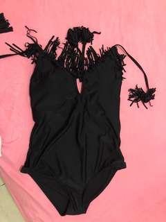 Baju renang hitam