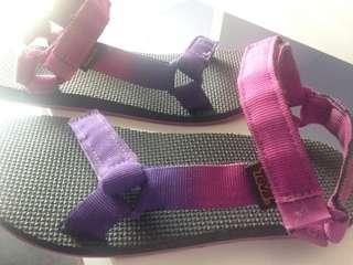 TEVA women's sandal New condition