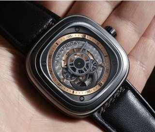 🚚 Sevenfriday watch