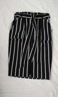 Striped Miniskirt (with Pockets and Tie) - S