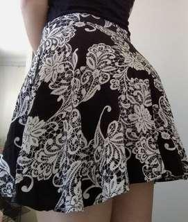 Patterned Skirt - size 8