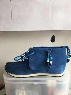 AKID USA suede ankle high shoes NEW