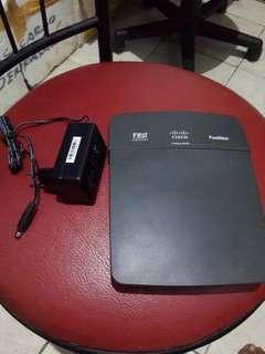 Cisco Linksys e900 like new