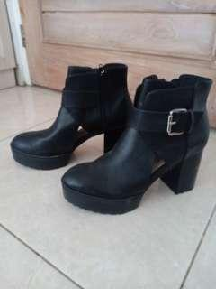 Pull & Bear Black Ankle Boots