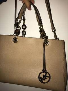 Michael Kors beige handbag (authentic)