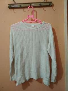 Sweater Putih Bahan Tebal