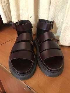 近全新 Dr. Martens 羅馬涼鞋 UK6