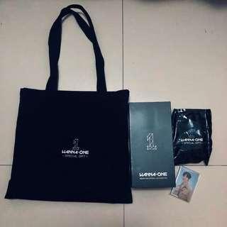 Wanna one Tote Bag