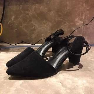 🚚 腳踝繫帶絨面7cm低跟鞋
