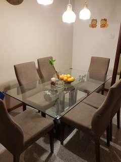 Elegant dining table set