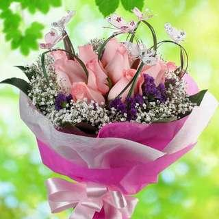 🚚 [FREE DELIVERY] 12 Peach Roses with Wired Butterfly Hand-bouquet (023-PE)