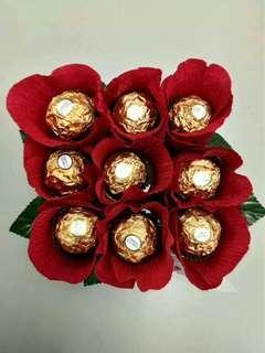 Rose with chocolates (ferrero)