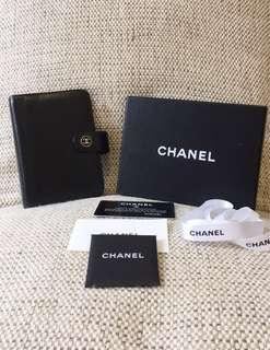 100% Authentic CHANEL Vintage Agenda/Note/ Passport Cover, CC logo, Black, Calfskin