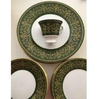Like New! 6 Wedgewood Bone China Fine Dining Sets - Harlech Made in England