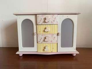 Small Dainty Dresser to keep jewelry, watches, earrings etc.