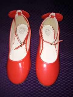 fashion shoes size. 34
