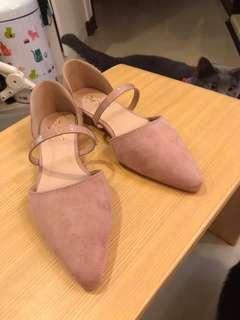 🚚 全新D+af尖頭平底鞋