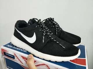 🚚 免運 Nike  roshe run休閒鞋,US 8號(8.5號可參考)