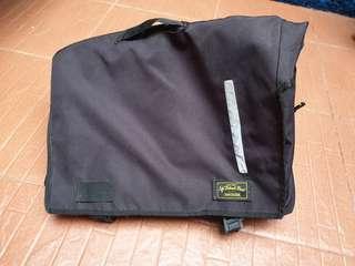 Messenger bag atau tas slempang tas fixi