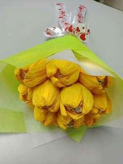 Tulip with chocolates (ferrero)