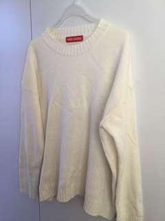 米白色 針織衫