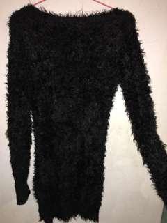 🚚 黑色毛海毛毛露肩性感長袖超彈性包臀洋裝