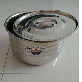 18-0 Stainlese Steel ware 26 cm with cover
