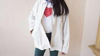 Jacket Putih Oversize