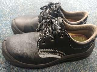 kPR安全鞋