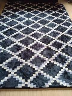 Black/white themed tatami carpet