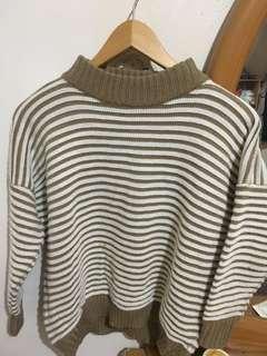 可可色條紋毛衣