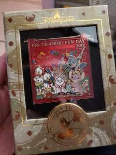 Disneyland Pin Trading Fun Day 2010 +  Annual Pass2010