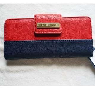 BRAND NEW Tommy Hilfiger Wallet