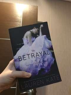 Betrayal - Lauren Kate