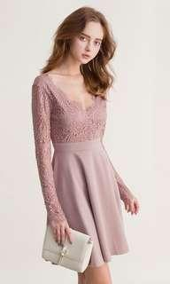 🚚 LACE FLARE DRESS WITH OPEN BACK