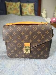 Louie Vuitton Pochette Metis