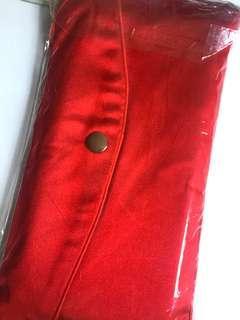 🚚 Julius Baer red packets
