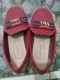 Sepatu merk adelia guess kw