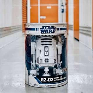 Star Wars R2D2 Interactive Astromech Droid Robot - Collectors item