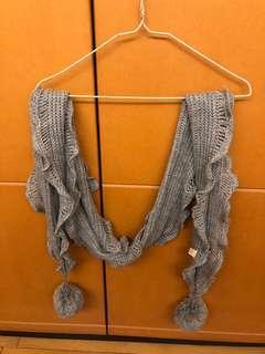 🚚 灰色毛球圍巾