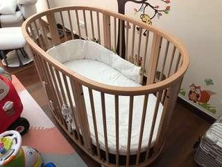 Stokke Sleepi Bed Baby Cot with Mattress, covers and bumper. Top condition!
