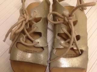 Seed sandal