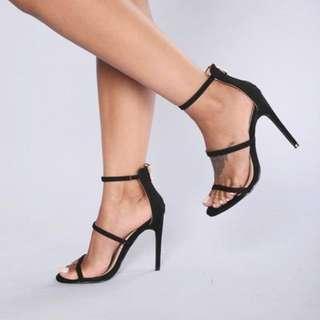 🚚 Black Suede Strap Heels