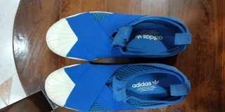🚚 Original Adidas bought in HK.. worn twice. Condition 8.5/10.
